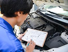年間◯◯◯台の修理整備をこなす確かな整備技術力